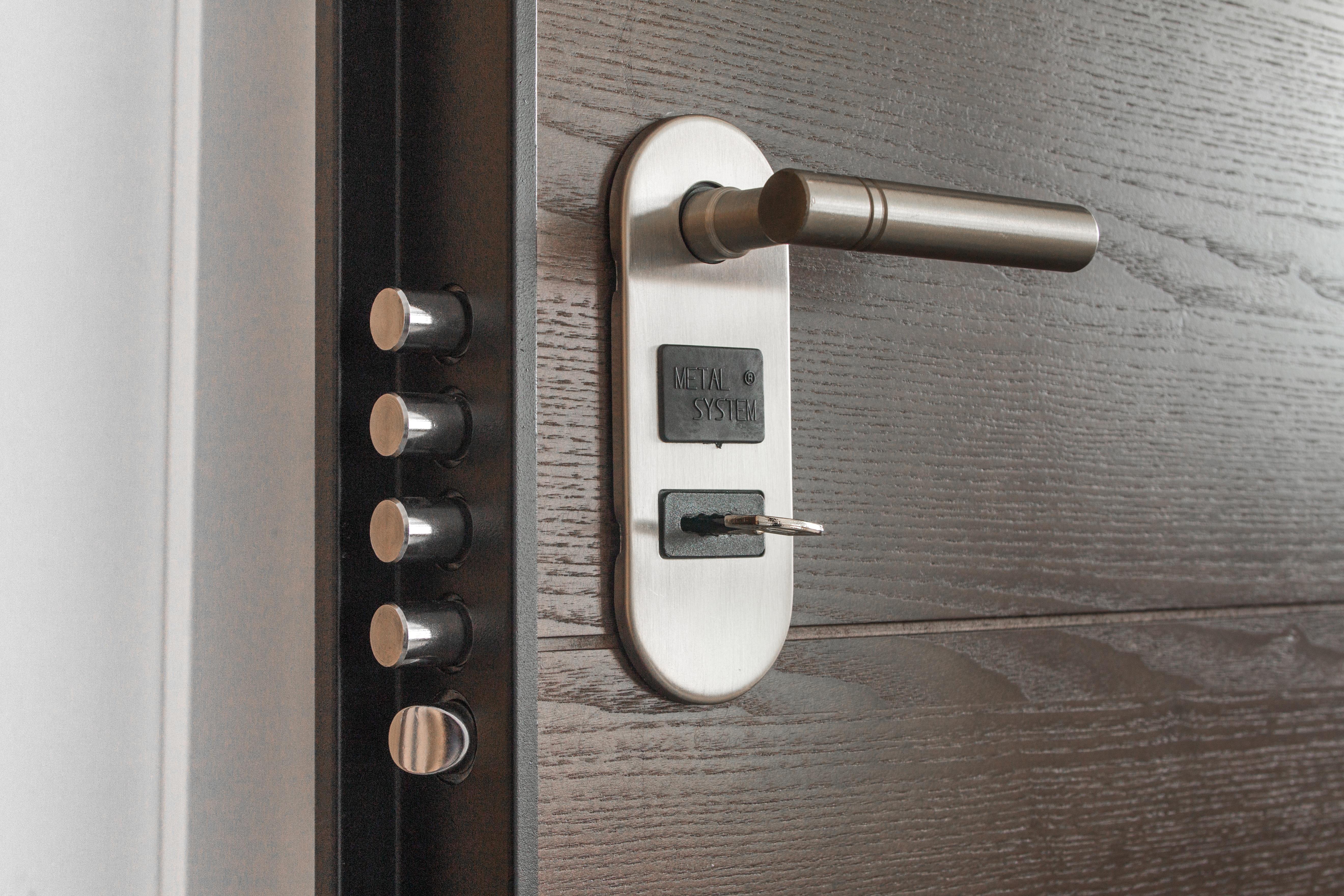 Installation of new locks on your doors
